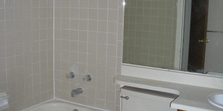 W4201 bath